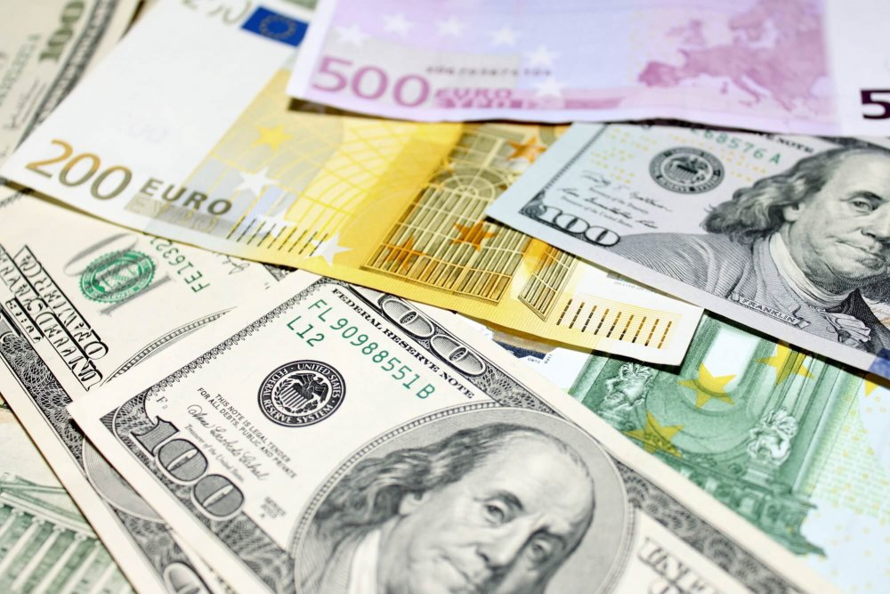 What-is-the-EURUSD-and-why-is-it-important.thumb.jpg.8be97b181bf6ddebd4c25ef471dfab8f.jpg