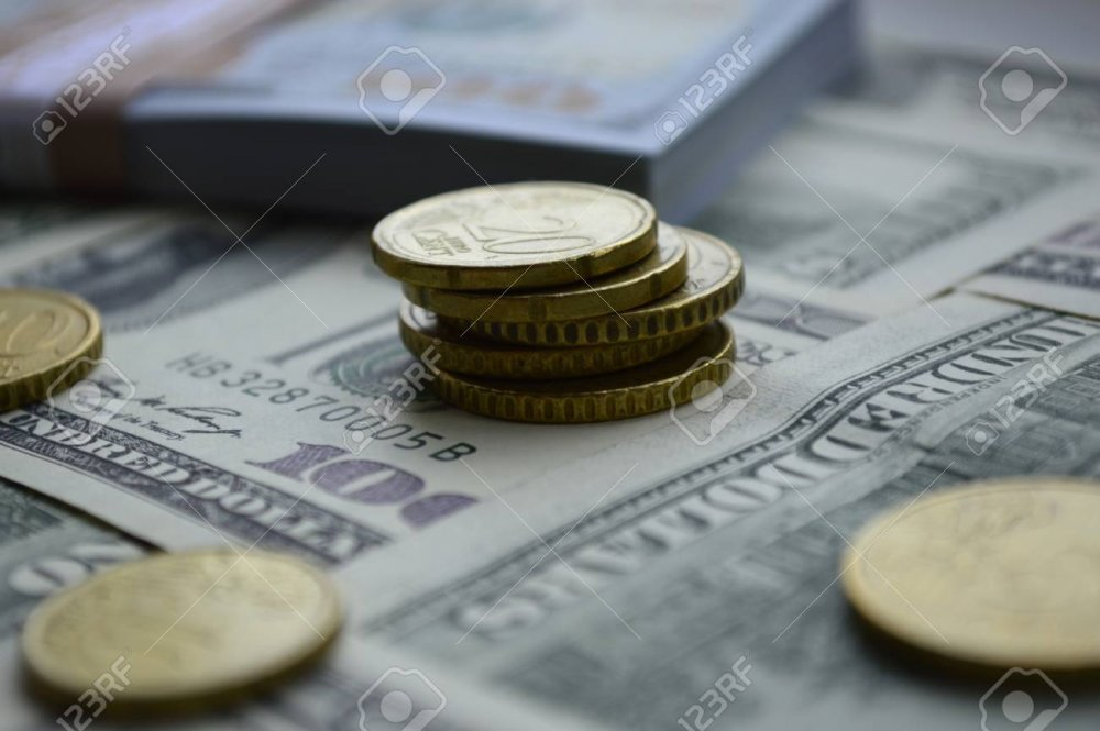 101546007-scattered-banknotes-of-100-us-dollars-and-euro-coins.thumb.jpg.7e25c0f0ff0b2bdba3c6884362f29198.jpg